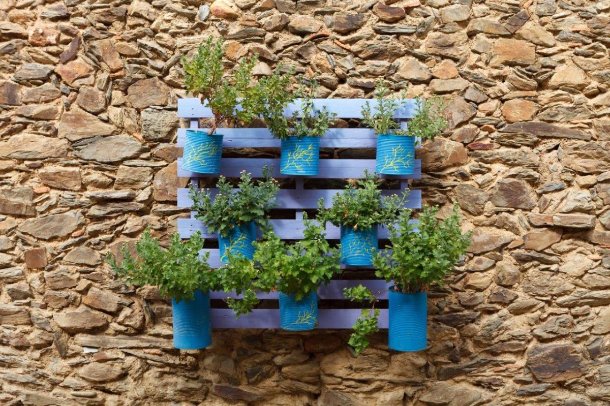 Kwietnik z palet do ogrodu - Galeria zdjęć inspiracji DIY